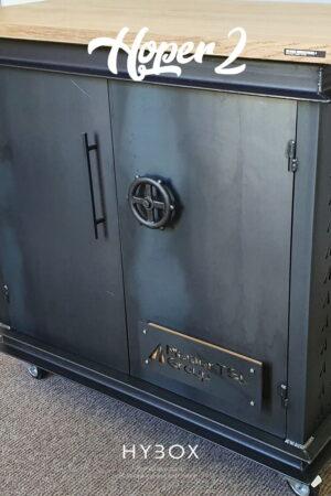 metalowy nalewak do piwa na kółkach zamykany z dębowym blatem
