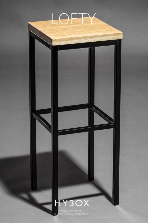 hoker barowy z siedziskiem dębowym i konstrukcją stalową w kolorze czarnym
